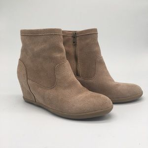 Minnetonka Suede Wedges Ankle Boots